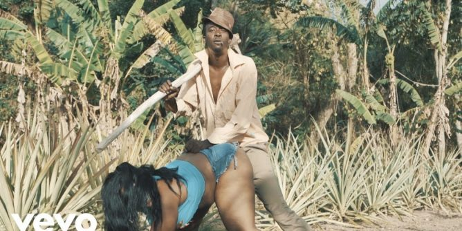 Chi Ching Ching - Thunder (Mp3 + Video) Mp4 Download