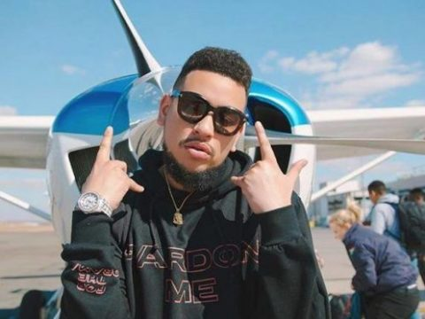 AKA shows appreciation to commited fan